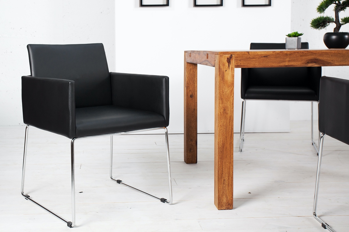 """Luxusné kreslo """"OFFICIO"""" ponúka bezkonkurenčný elegantný dizajn. Kreslo má chrómovaný rám, komfortné polstrovanie z látky, ktoré je robustné a odolné a pritom dodáva stoličke elegantný vzhľad. Či už ho umiestnite doma k jedálenskému stolu alebo do pracovne či do konferenčnej miestnosti, premení každú izbu na niečo špeciálne."""