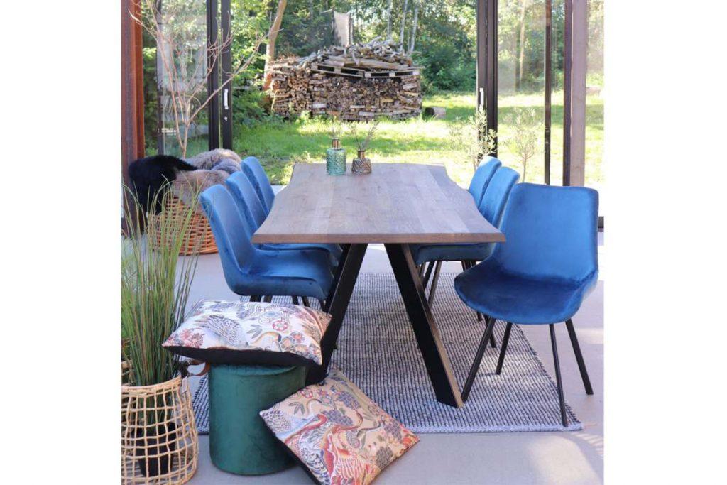 Dizajnová stolička Brinley modrý zamat