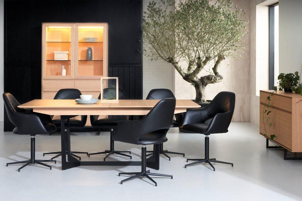Jedálenský stôl Aage